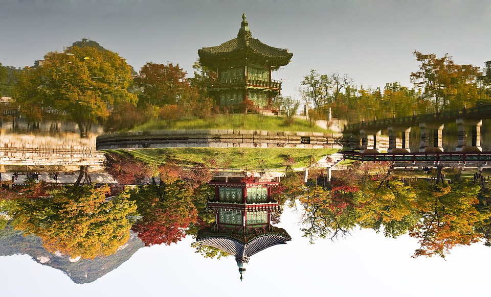 facing-garden-